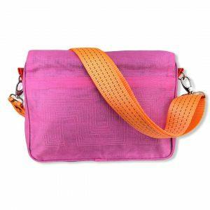 Beadbag Schultertasche Upcycling Recycling Tasche aus Moskitonetz Pink Nolinearts