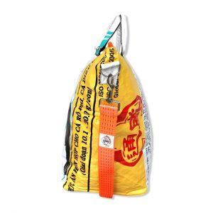 Tampenjan Nolinearts Wäschekorb Tasche Strandtasche Schultertasche Recycling Upcycling weiß gelb